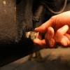 holding plug img